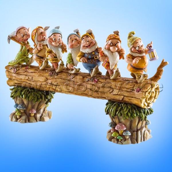 """Disney Traditions / Jim Shore Figur von Enesco """"Homeward Bound (7 Zwerge)"""" 4005434"""