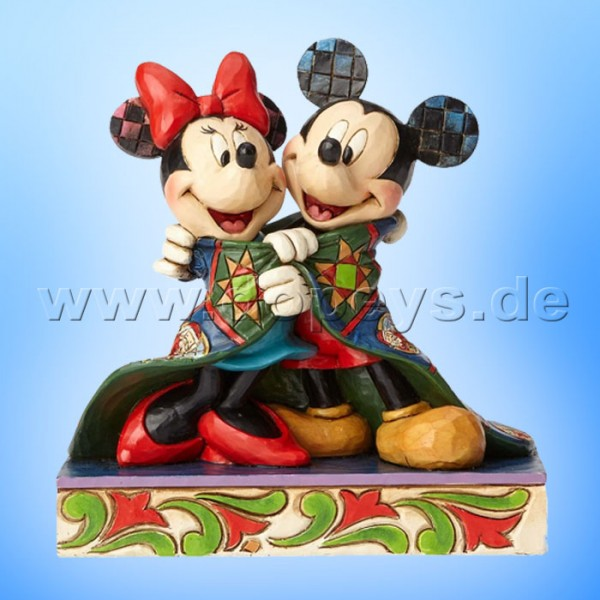 "Disney Traditions / Jim Shore Figur von Enesco ""Warm Wishes (Mickey und Minnie mit Weihnachtsdecke)"" 4057937."