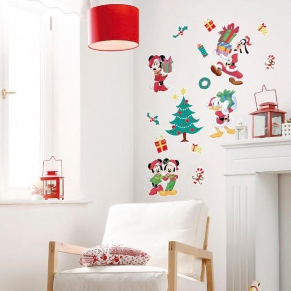 "Disney Wandsticker / Wandaufkleber Mickey Maus ""Mickey Christmas Presents"" 50cm x 70cm"