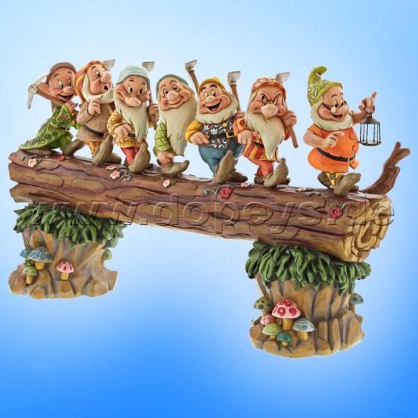 A Good Day's Work, A Good Night's Sleep (7 Zwerge Baumstamm Meisterstück) Figur von Disney Traditions / Jim Shore - Enesco 6005147