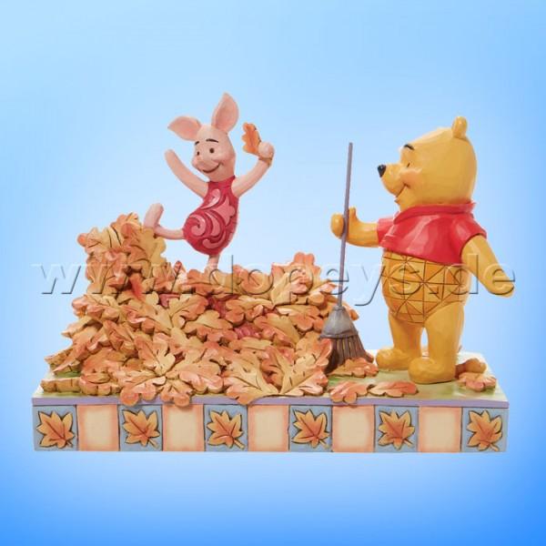 Disney Traditions - Jumping into Fall (Winnie Puuh & Ferkel im Herbstlaub) von Jim Shore 6008990