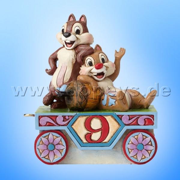 "Disney Traditions / Jim Shore Figur von Enesco ""Chip & Chap - Geburtstagszug Jahr 9"" 4055419."